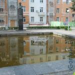 фонтан у памятника П.О. Сухому