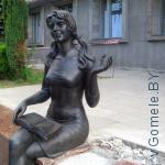 скульптура студенту в Гомеле