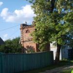 старое кирпичное строение