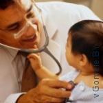 врач и его маленький пациент