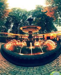 фонтан у Золотых ворот