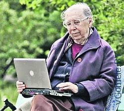 пенсионерка в Интернете