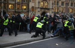 Во что переросла мирная акция в Лондоне